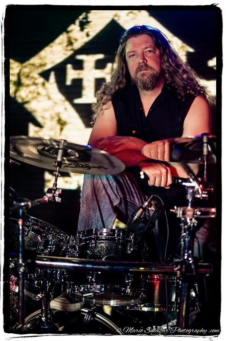 rocker-musician-drummer-two-ton-anvil-chicago-heavy-metal-music